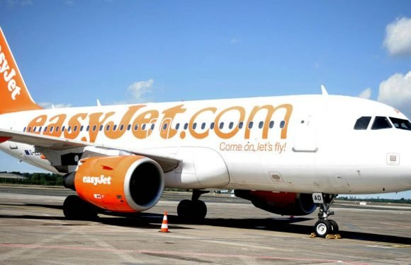 EasyJet passengers stuck on 'sweltering' plane without air conditioning