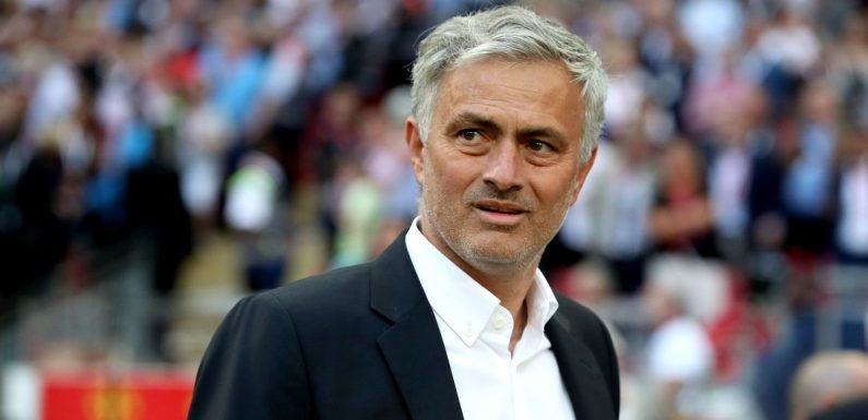 Jose Mourinho persuades in-demand starlet to stay at Manchester United