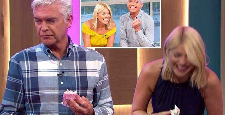 This Morning viewers confused after they spot something very different about Phillip Schofield on today's show