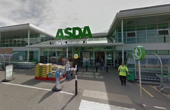 Asda security guard slashed with knife in store by shoplifters stealing vodka