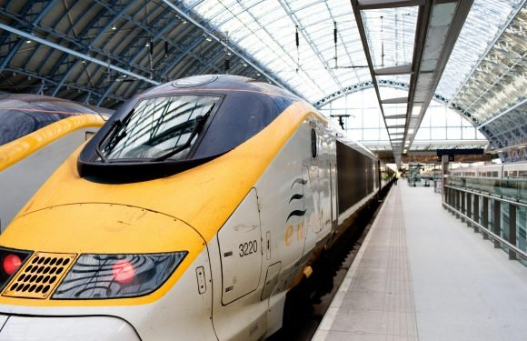 Eurostar powercut sparks chaos with thousands stranded as trains come to complete standstill