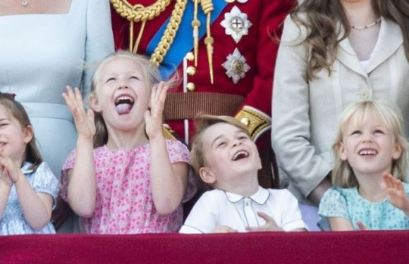 Prince George's Royal Shushing Is Actually A Buckingham Palace Repeat