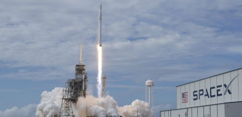 If You Fancy Building Rockets For A Trip To Mars, SpaceX Now Have Their First Job Listing For A BFR Engineer