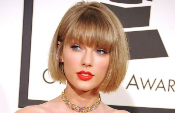 Taylor Swift Lets Fans In On Reputation Tour Secrets