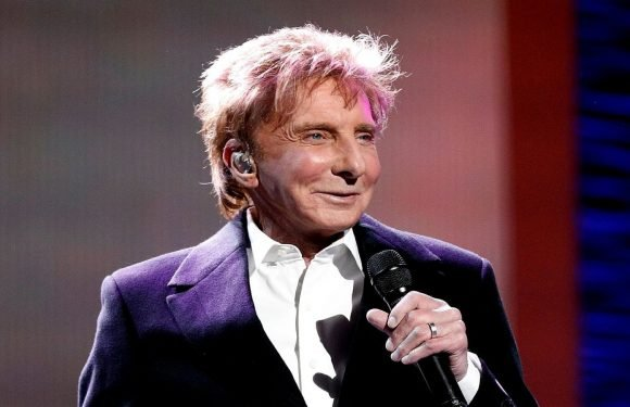 Barry Manilow Sent To The Hospital For Bronchial Infection