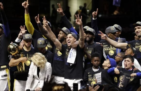 Curry's Warriors sweep Cavs for second straight NBA title