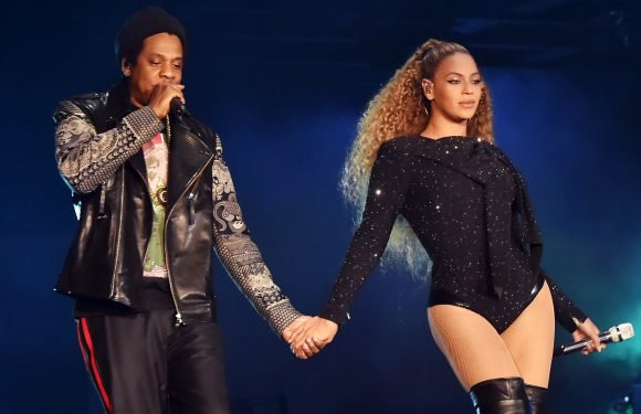 Beyoncé  and Jay-Z pay tribute to Grenfell Tower victims during London show