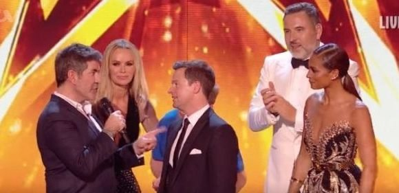 Simon Cowell moved Britain's Got Talent fans to tears as he thanked Dec for 'outstanding' work