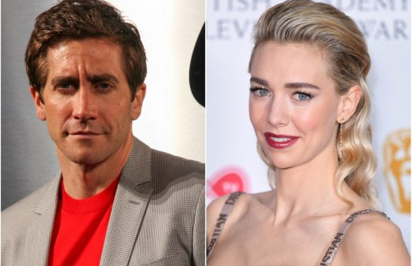 Jake Gyllenhaal lunches with 'The Crown' star Vanessa Kirby