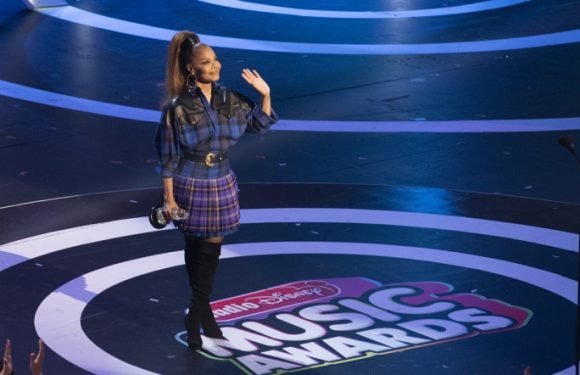 Janet Jackson, Kelly Clarkson, Carrie Underwood Honored at Radio Disney Music Awards
