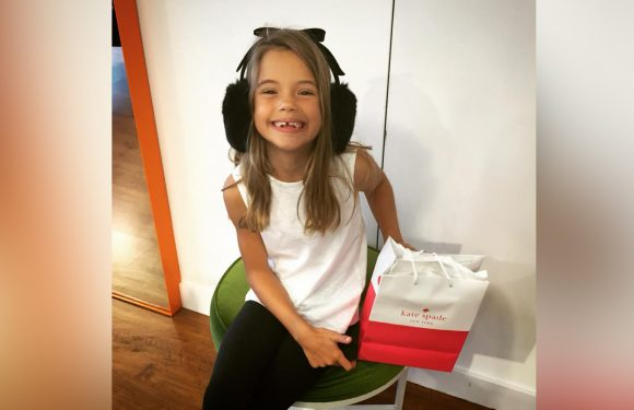 Mom pens heartfelt letter about daughter's trip to Kate Spade store