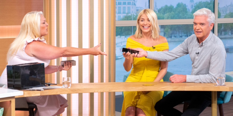 Phillip Schofield and Holly Willoughby can't cope without their phones on This Morning