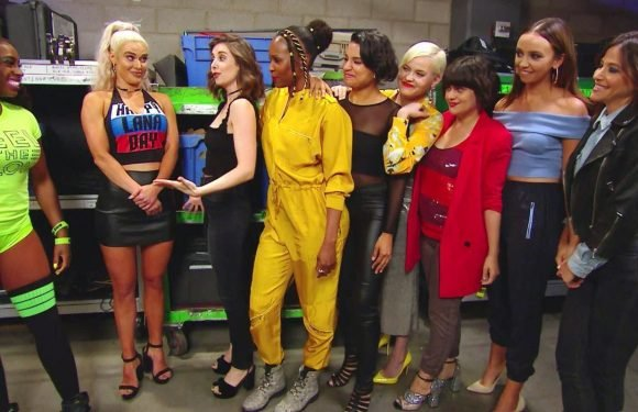 WWE SmackDown Live results: 4 things we learned as the cast of GLOW rock up to the WWE