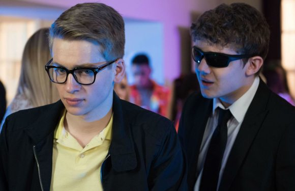 Hollyoaks' Alfie Nightingale alarms his friends with worrying behaviour tonight
