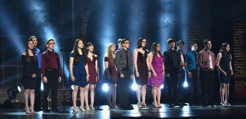 Parkland drama students give 'lit' performance at theater gala