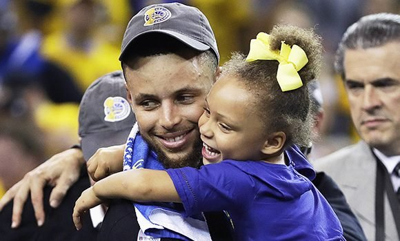Riley Curry Cheers For Dad Steph At Oakland Warriors Parade & Totally Steals The Show: Cute Video