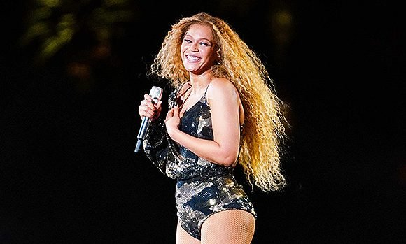 14 Sexiest Photos Of Singers Onstage: Beyonce In A Skintight Bodysuit & More