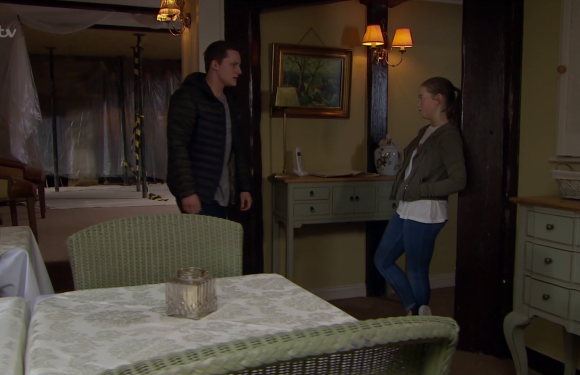 Emmerdale fans fear Liv Flaherty will be murdered by Lachlan White as she starts to question his killer behaviour