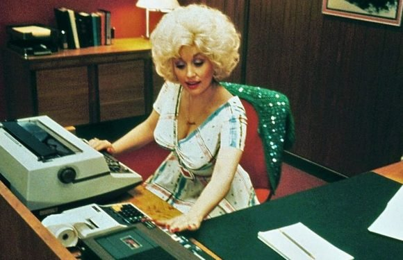 Dolly Parton working on 9 to 5 sequel with Jane Fonda and Lily Tomlin