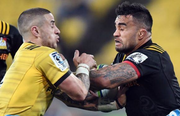 Perenara on the double to propel Hurricanes into semi-finals