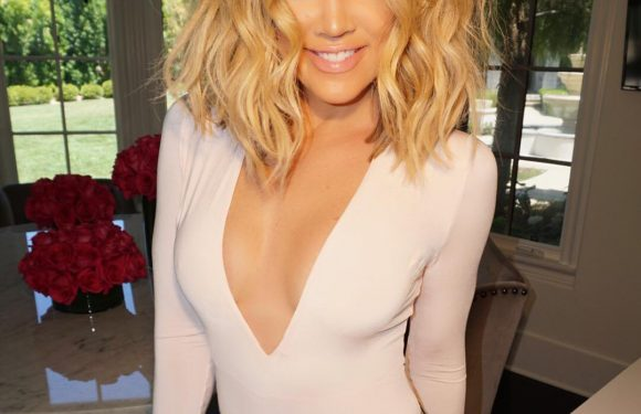 Khloé Kardashian Wants to 'Lose a Few More Pounds' Before Bringing Back Her 'Favorite' Short Hair