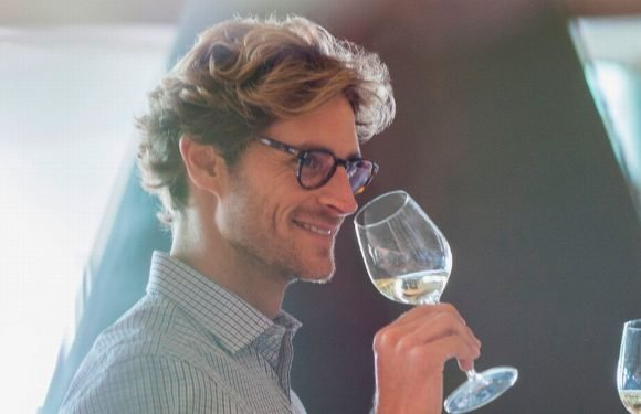 Drinking three glasses of wine a week boosts male fertility, study finds