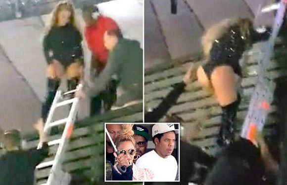 Beyonce left stranded after flying stage malfunctions on tour