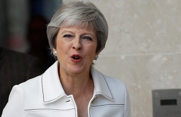 PM pleads for MPs to put business first as Eurosceptics plot