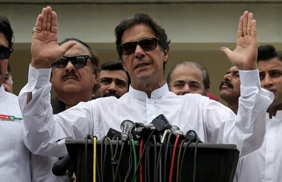 Imran Khan delivers 'knockout punch' in Pakistan elections