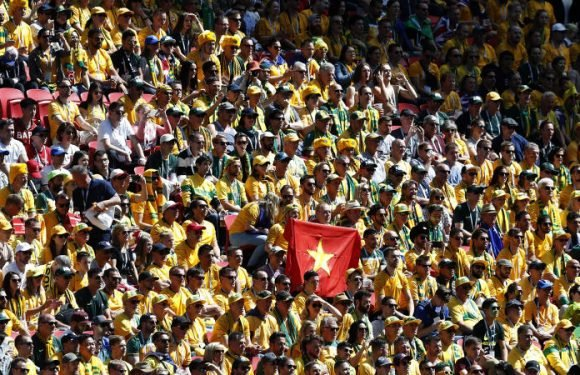 FIFA accuse 'small group' of Socceroos fans of homophobic chant
