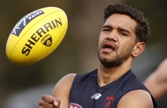 Neville Jetta signs, now to secure Angus Brayshaw