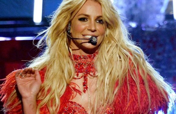 Britney Spears to return to Las Vegas for £380,000 per show despite miming songs
