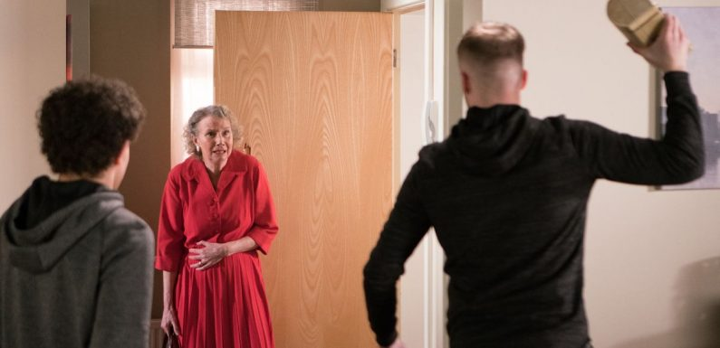 Corrie bully Tyler brutally attacks Flora then turns against Simon after arrest