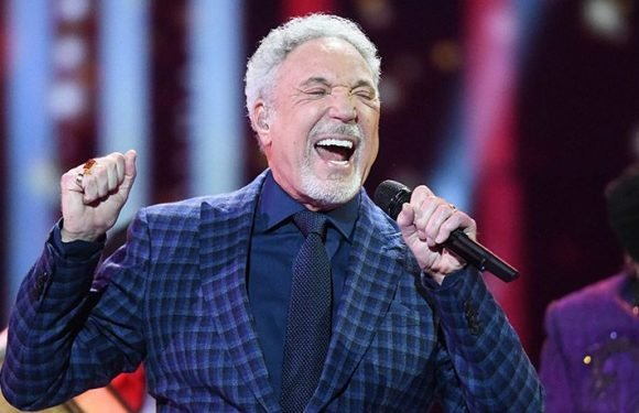 Tom Jones Apologizes For Cancelling Fifth Concert, Said To Be 'Recovering Well' From Illness