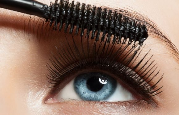 Beauty addicts can update their make up for free with this Benefit mascara deal