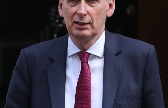 Chancellor Philip Hammond accused of betraying PM's Brexit red line to end EU freedom of movement