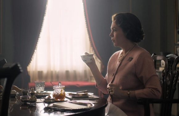 First look at Olivia Coleman as Queen Elizabeth in The Crown