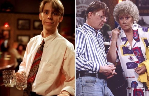 Coronation Street fans beg new producer to bring back classic characters Curly Watts and Andy McDonald