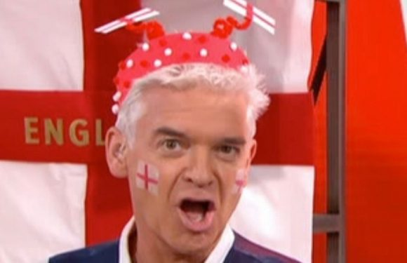 Phillip Schofield brutally slams This Morning expert's homemade World Cup trophy