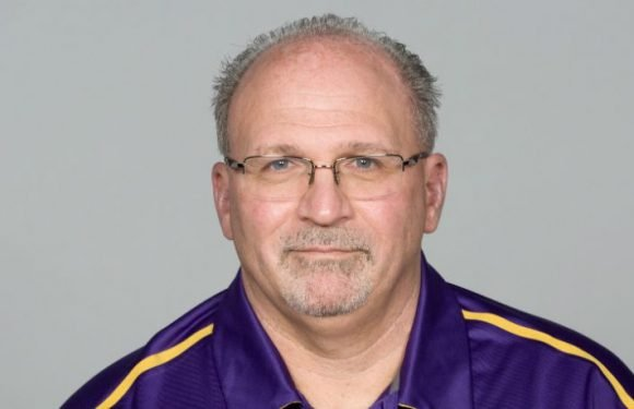 Tony Sparano, Minnesota Vikings Offensive Line Coach, Dies At 56