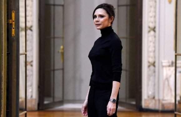 Victoria Beckham will show collection for the first time at London Fashion Week