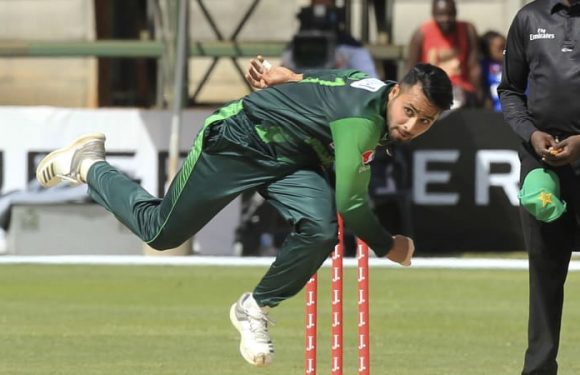 Pakistan roll Zimbabwe for 67 in one dayer