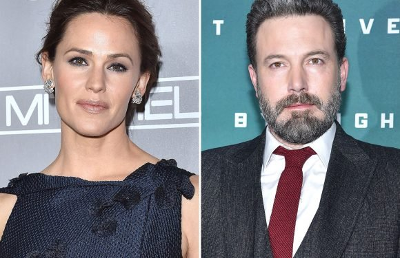 Family Time! Jennifer Garner and Ben Affleck Treat their Kids to a Broadway Night Out