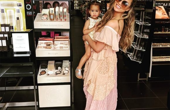 Get a Gorgeous Summer Glow Thanks to Chrissy Teigen's New Collaboration with Becca Cosmetics