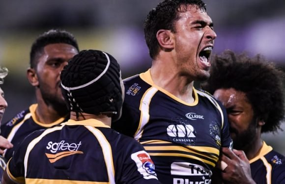 Brumbies snap two-year Kiwi drought to beat Hurricanes and stay alive