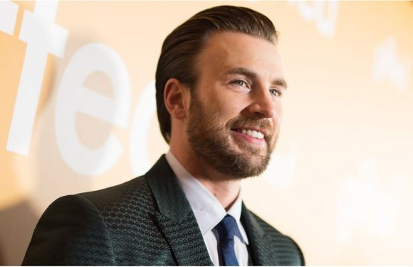 Chris Evans, a Real American Hero, Continually Roasts Donald Trump on Twitter