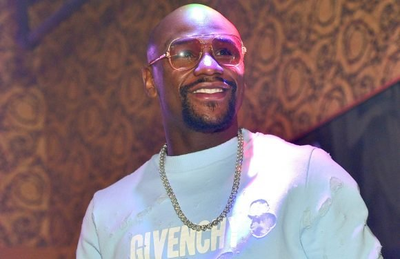 Floyd Mayweather brings five bodyguards to Miami hotspot