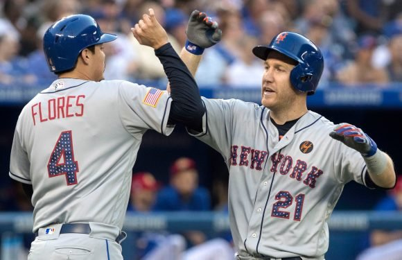 Balanced attack, solid bullpen work propel Mets past Jays