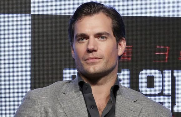 Henry Cavill Would Love To Play James Bond