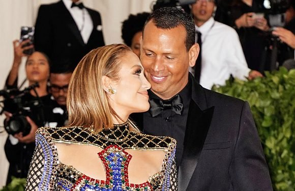 Jennifer Lopez and Alex Rodriguez Cuddle on the Beach in Sweet Pic